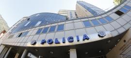 L'home agredit va presentar la denúncia a les dependències policials.