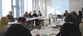 Una reunió al Consell General amb els sindicats i la patronal.