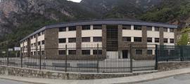 """L'Institut Espanyol cobrirà de forma """"immediata"""" 2 vacants de professors"""