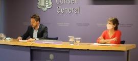 Pere López i Susanna Vela en la compareixença d'aquesta tarda al Consell General.