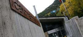 Entrada principal del centre penitenciari de la Comella.