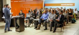 Xavier Espot amb els candidats de Demòcrates per Andorra (DA) ahir.