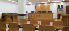 El tribunal de Corts va jutjar ahir dos casos amb complicitat de procediment civil.
