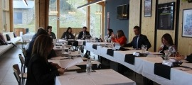 Un moment de la reunió de cònsols d'ahir celebrada al Coll de la Botella.