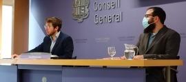Els parlamentaris Roger Padreny i Carles Sánchez van presentar ahir les esmenes del PS al projecte de llei de creació de l'INH.