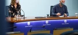 Sílvia Calvó i Josep Casals han presentat el nou ajut per a les explotacions.