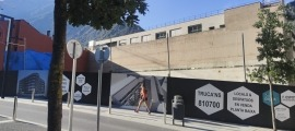 Zona de l'avinguda del Fener on es construirà l'edifici de pisos amb els locals comercials que se cediran al Comú escaldenc.