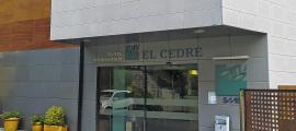 Vista exterior del centre sociosanitari El Cedre.