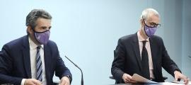 El ministre portaveu, Eric Jover, i el secretari d'Estat d'Economia, Èric Bartolomé, en la compareixença d'aquest dimecres.