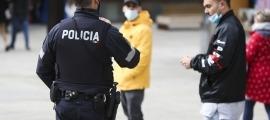 Els agents del cos de policia han imposat més de 300 sancions per no portar la mascareta quan era obligatòria.
