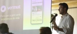 Els impulsors de VermutApp van presentar la proposta als padrins de Canillo, ahir.