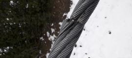 Un dels cables dels remuntadors manipulats.
