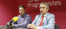 Josep Lluís Donsión i Jaume Bartumeu en la compareixença d'ahir.
