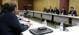 Una de les reunions entre el Govern i els sindicats de l'Administració.