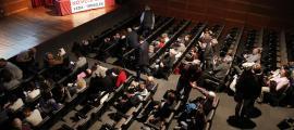 Reunió del poble sobre l'heliport celebrada al Comú d'Escaldes-Engordany, ahir.