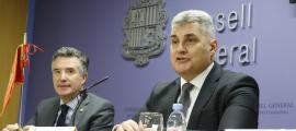 El síndic general, Vicenç Mateu, i el president del Parlament de Montenegro, Ivan Brajovic, en la compareixença d'ahir.