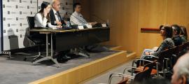 Un moment de la conferència del doctor Brugada, ahir a la tarda.