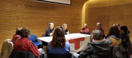 Un moment de la reunió de membres de la Creu Roja amb ciutadans del Pas de la Casa, el passat 15 de novembre.