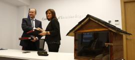 Rossell i Marín van signar el conveni a la seu del Comú, ahir a la tarda.