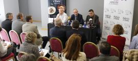 Carles Flinch, Carles Ramos i Roger Biosca en la presentació de l'Andorra a Taula, ahir.