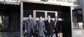 Membres de la delegació de l'OSCE que visita el país, ahir al matí.