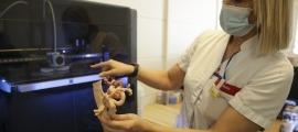 La impressora 3D en funcionament a les instal·lacions del SAAS.