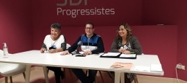 Cristina Montolio, Josep Lluís Donsión i Elisabet Zoppetti en la roda de premsa d'ahir.