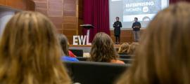 Dues de les conferenciants del certamen fet a Escaldes.
