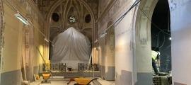 Imatge de les obres de remodelació que acaben d'iniciar-se a la capella de la Pietà, al conjunt catedralici de Santa Maria d'Urgell.
