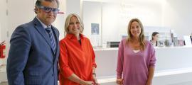 La ministra de Cultura, Olga Gelabert, i la presidenta d'Unicef Andorra, Laura Álvarez, van signar l'acord a la seu del museu, ahir.