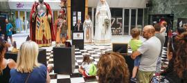 La mostra es va inaugurar ahir al vestíbul del centre de congressos lauredià.