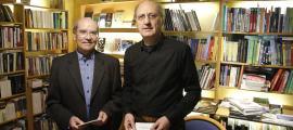 Els impulsors del 'Manifest dels 300', Joan Ganyet i Antoni Pol, ahir al matí a La Puça.