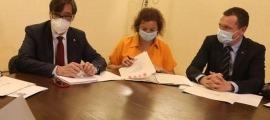 Òscar Ordeig, en una de les reunions de treball amb Salvador Illa, que impulsa de nou una fórmula de control des de l'oposició que ja va utilitzar Pasqual Maragall.