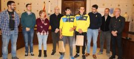 Un moment de l'homenatge als palistes urgellencs a l'Ajuntament de la Seu.