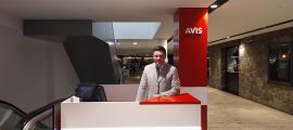 La nova oficina d'Avis es va obrir ahir als grans magatzems Pyrénées.