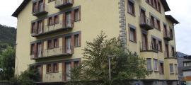 L'edifici de l'hotel Casamanya, tancat des de fa més d'una quinzena d'anys.