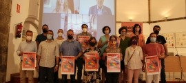 Foto de família d'alguns dels implicats en l'organització i participants en les propostes de la trobada tecnològica.