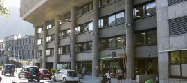 Vista de l'edifici administratiu del Govern.