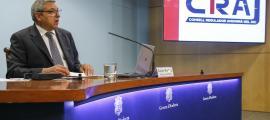 El director del CRAJ, Xavier Bardina, en una compareixença davant dels mitjans de comunicació.