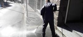 Estat en què han quedat els carrers d'Escaldes-Engordany després de les tasques de neteja.
