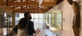 Jordi Quer, tècnic de Cultura, i Arbués, en la presentació de l'itinerari.