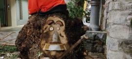 El tió batejat 'Trunki' per recordar l'emblemàtic músic, una institució a la ciutat.