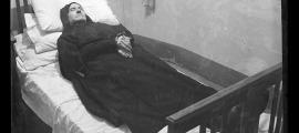 Retrat mortuori del monjo benedictí Plácido Escofet, datat el 15 de març del 1939 a Escaldes, probablement a l'hotel Valira, convertit en refugi de la congregació durant la Guerra Civil espanyola. És l'únic difunt de qui en sabem el nom.