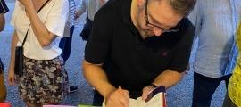 Rubio firma exemplars a la Setmana.