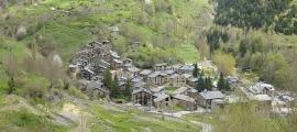 A Ós de Civís hi ha quinze cases ocupades enl'actualitat, i una dotzena de segones residències buides.
