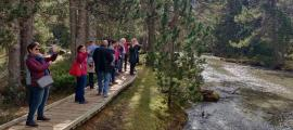Visitants al Parc Nacional d'Aigüestortes i Estany de Sant Maurici.