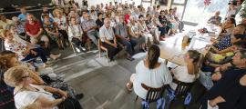 Una de les activitats per a la gent gran organitzada per la Llar de Lòria.
