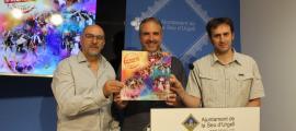 Andreu Campillo, Jordi Fàbrega i Carlos Guàrdia en la presentació del programa de la festa major de la Seu d'Urgell.