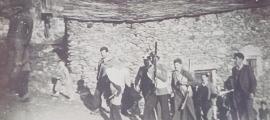 Els Contrabandistes, que també sortien a Canillo per Carnaval: aquesta fotografia és de la primera meitat del segle XX.