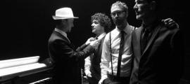 Oriol Vilella, Lluís Cartes, Òscar Llauradó i Roger Casamajor són Hysteriofunk des del 1993: glups!